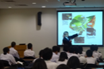 防災体験学習にきた中学生を対象にした「防災語り部」講座
